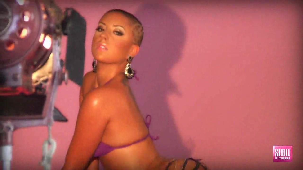 Эротическая фотосессия с лысой девушкой порно порно