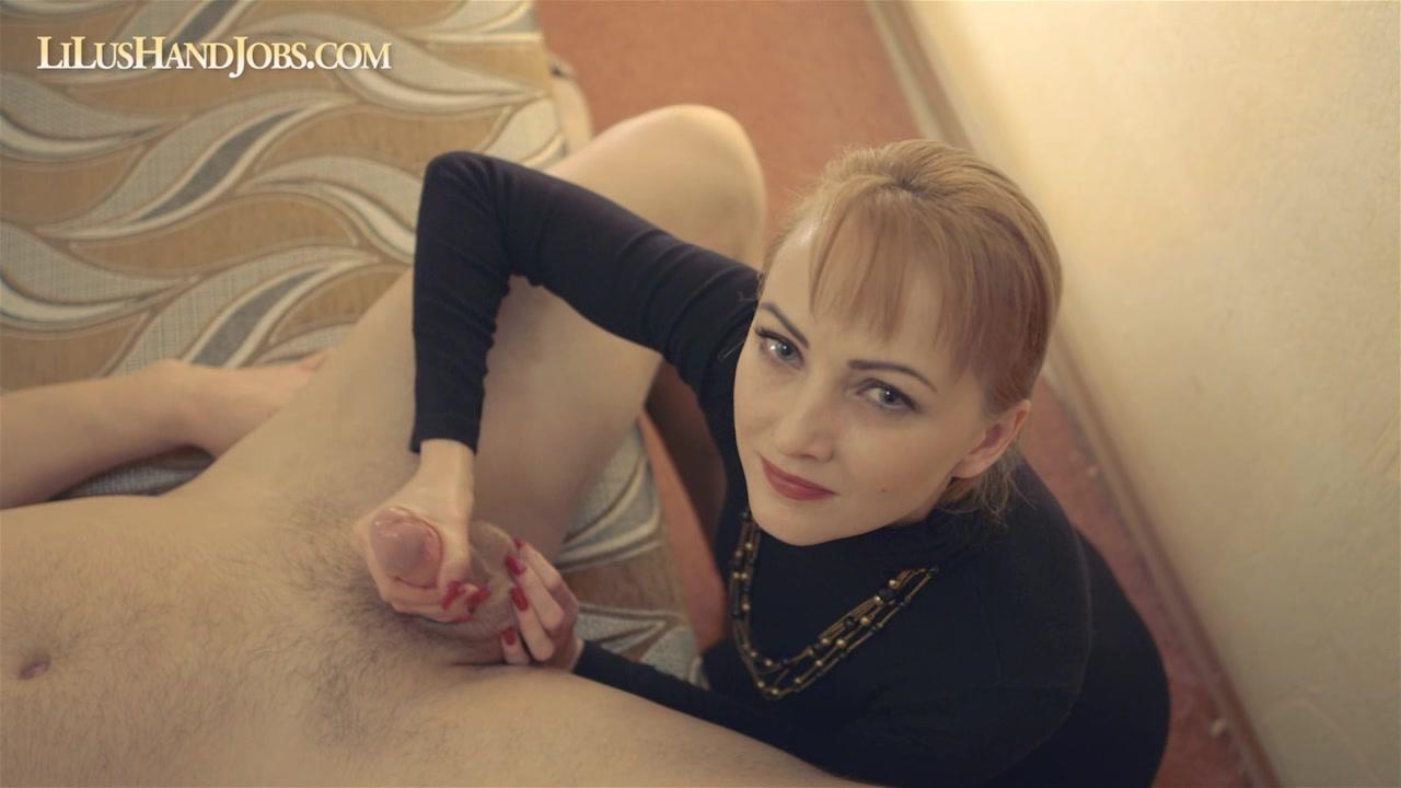 Смотрю в глаза и хуй наяриваю. порно порно