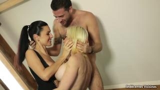 Групповуха парня с пьяными, французскими блядями в гостинице порно порно