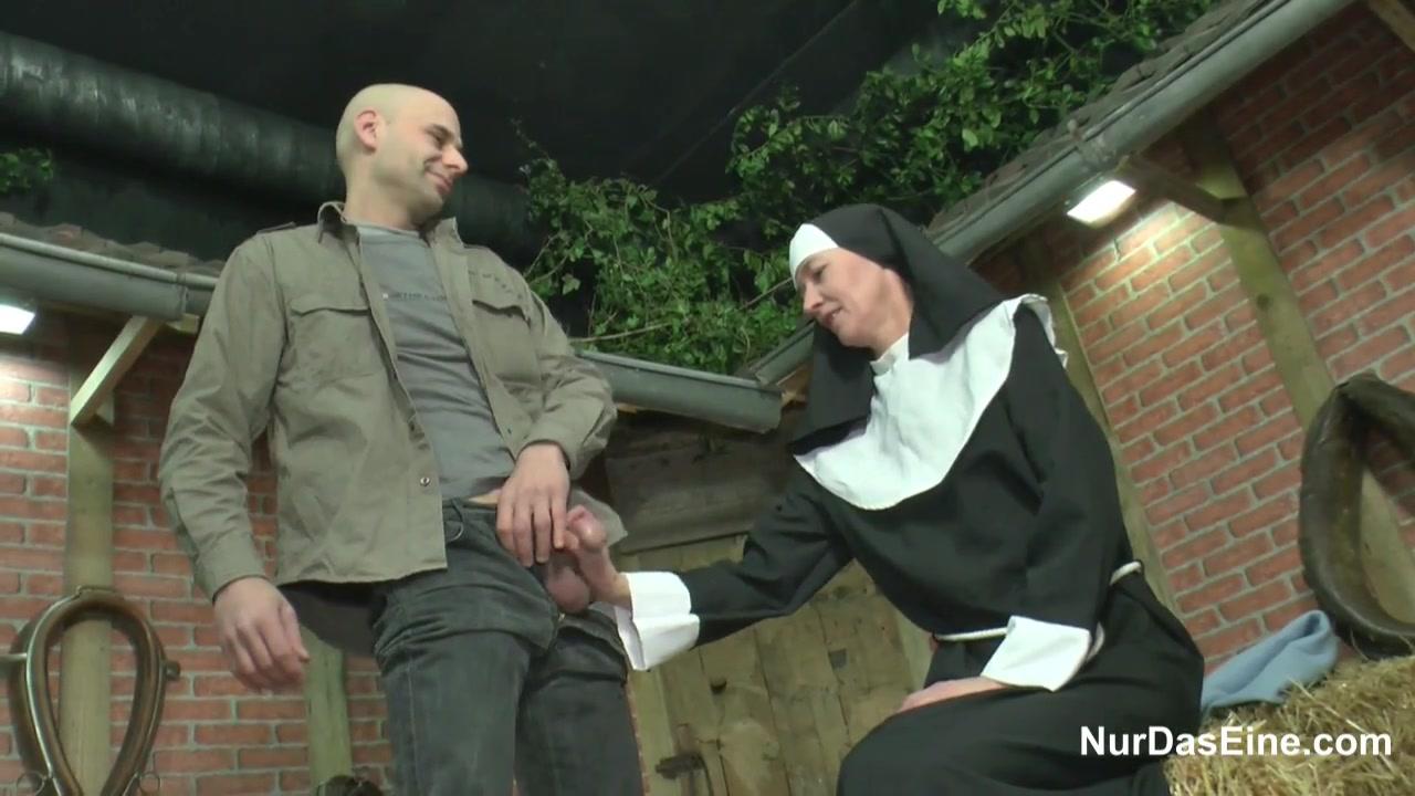 Голодная Монашка. порно порно