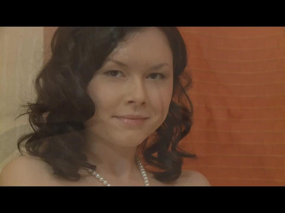 Соло молодой красавицы на кровати порно порно