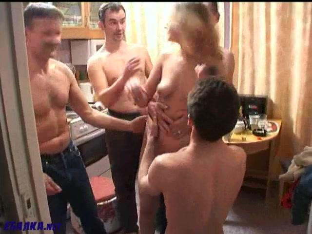 жена обажает много хуев порно порно