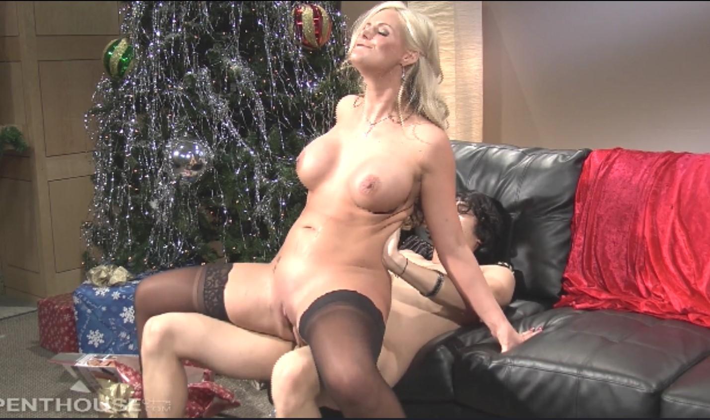 Феникс Мари в самое чудесное время года (Phoenix Marie) порно порно