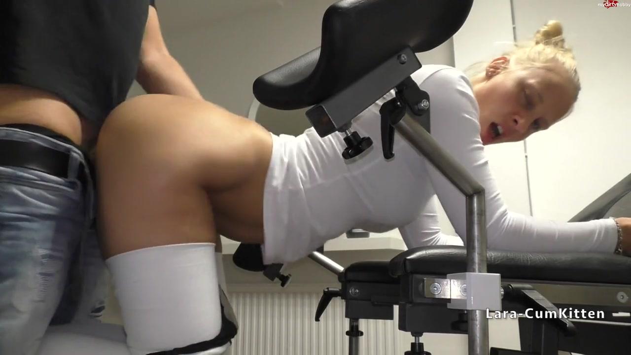 Меня выебал гинеколог в своём кабинете порно