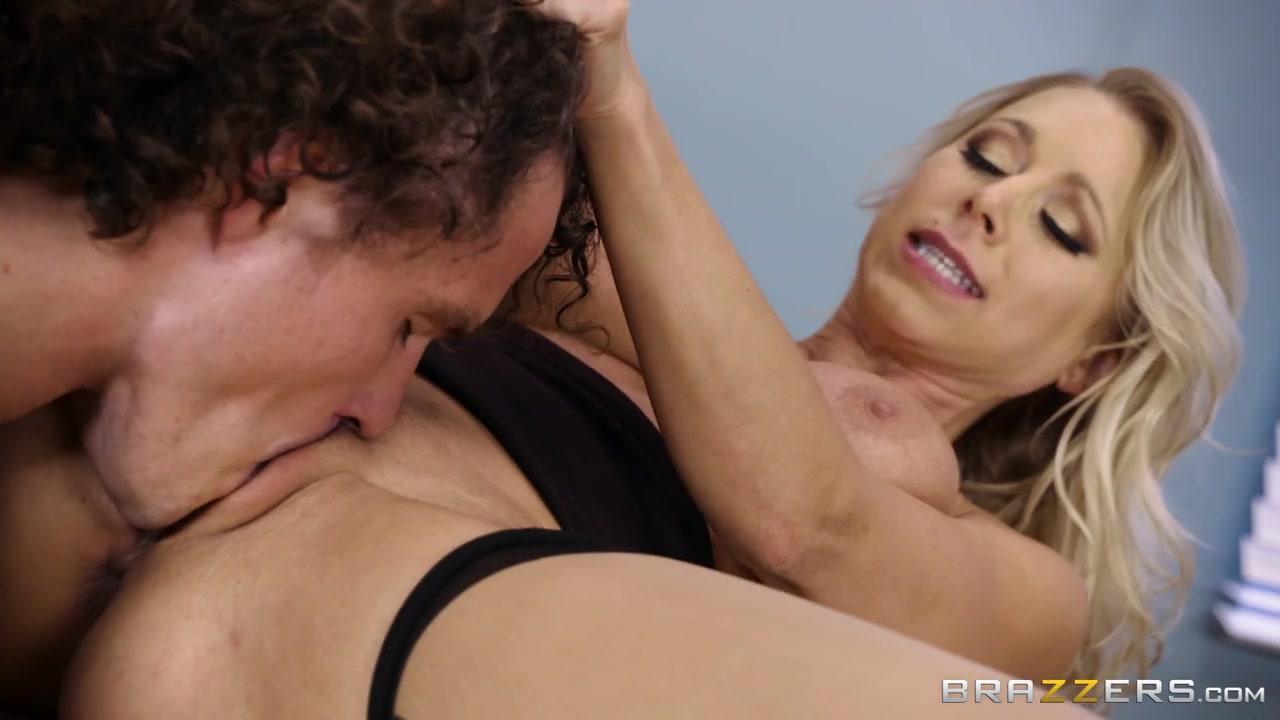 Красивая учительница в чулочках учит лизать пизду и трахать, чтоб писали и кончали сучки Katie Morgan порно