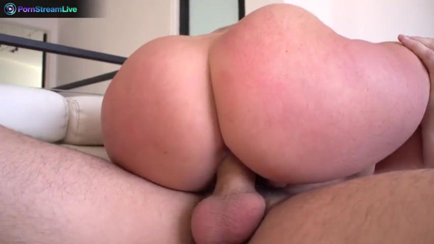 Привлекательная крошка, которую любовник очень жестко членом опустил и жучке это понравилось порно
