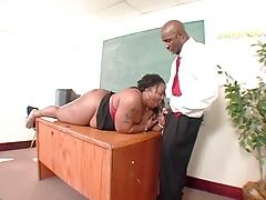Ебля с чернокожей коровой порно