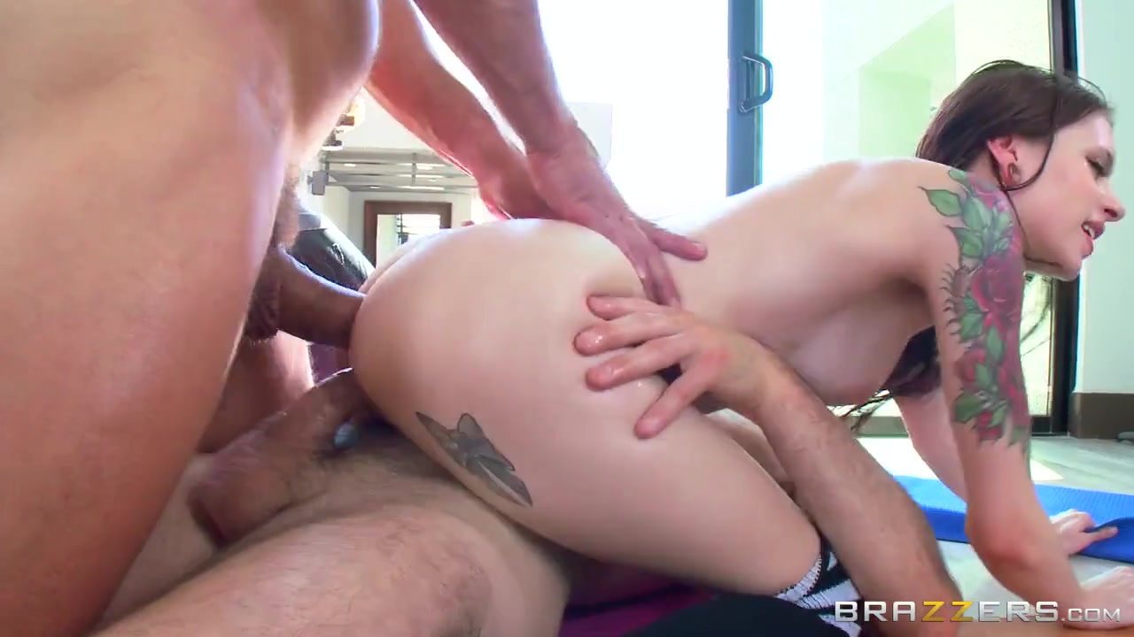 Групповое порно на вилле