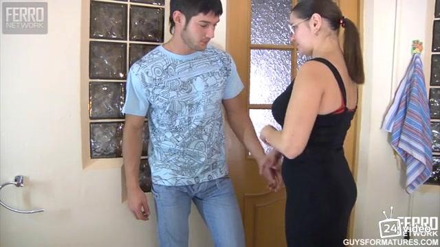 студент разпиздолил свою преподавательницу. порно