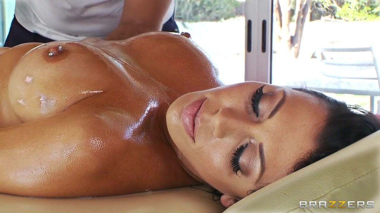 Вызвала на массажиста дом видео секс