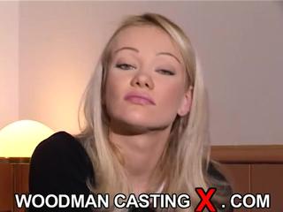 Очень красивая блондинка на кастинге Вудмана порно