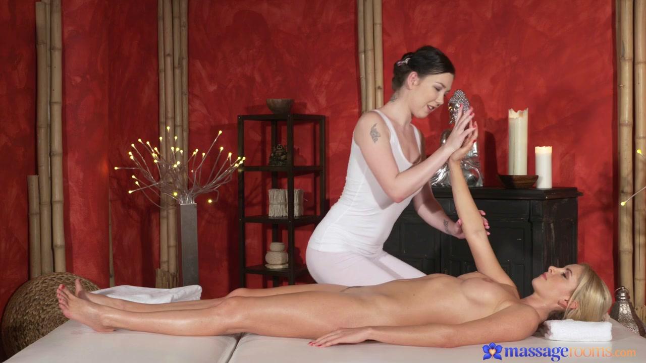 Обоюдные оргазмы от массажа двух красоток. порно