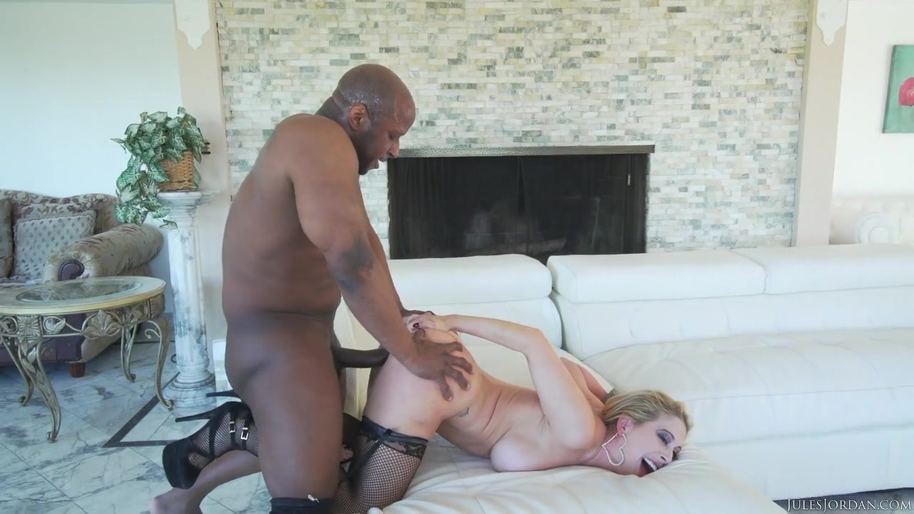 porno-video-prostitutku-ebut-v-pizdu-porno