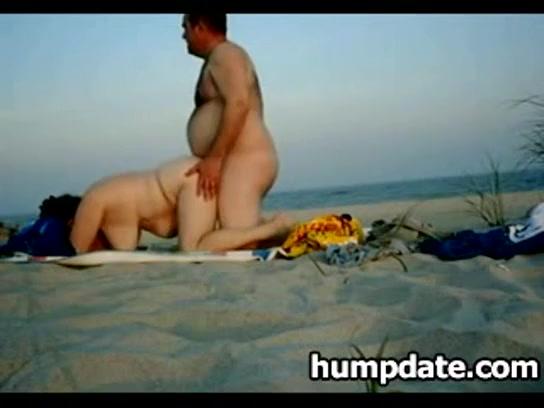 Порно фото жирные жены на пляже