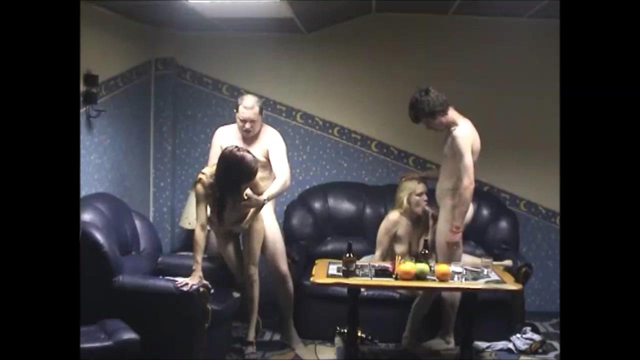 Заказали Проституток в Сауну. порно