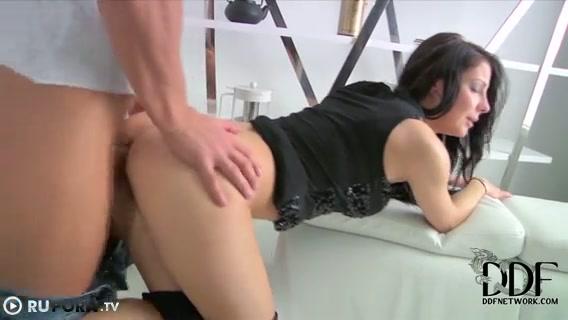 Секс В Попу Русскую Девушку