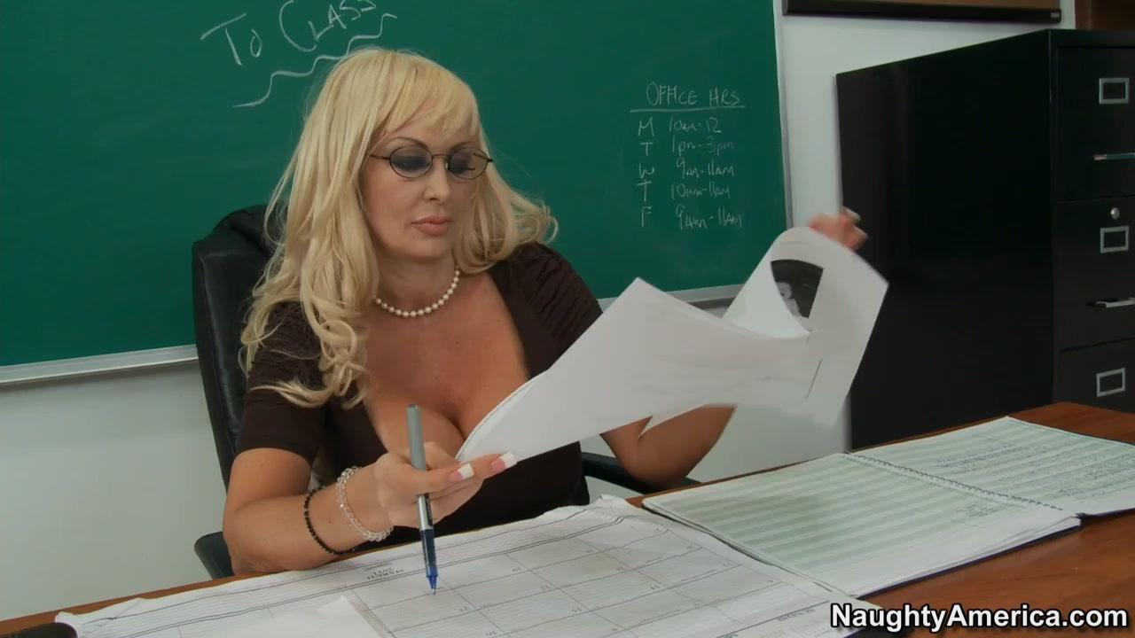 Хорошо отсосала учительница