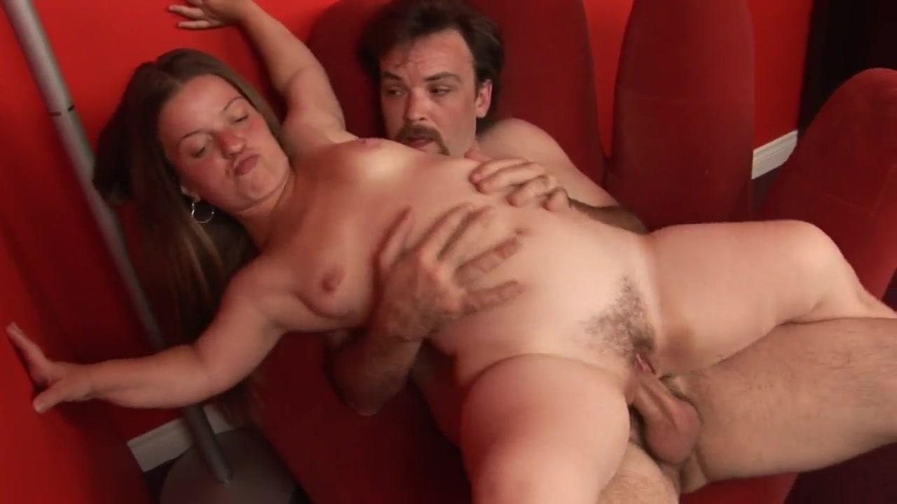 pishnogrudimi-porno-hudoy-liliputkoy-dva