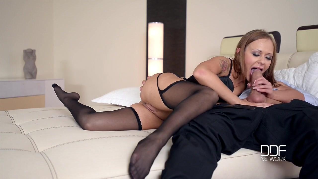 Порно юбке фото трахает красивые ножки фото извращенцев видео