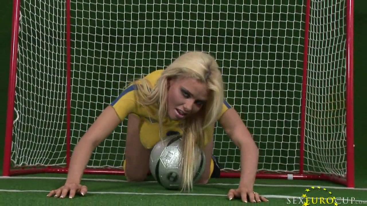 Фотосессия с мячом порно