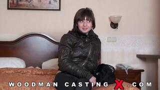 Молодая девушка решила участвовать в кастинге Вудмана порно