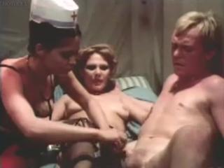 Ефрейтор медико-санитарной службы Нойманн порно