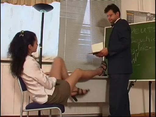 наказал студентку порно
