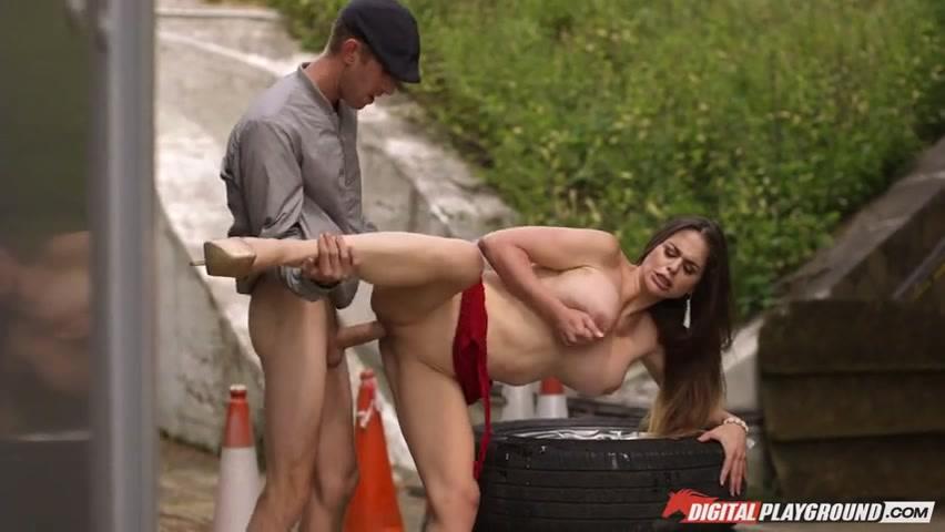 Действительно мощно Кати Хевен (Cathy Heaven) отгребла по отверстиям и ей это понравилось порно