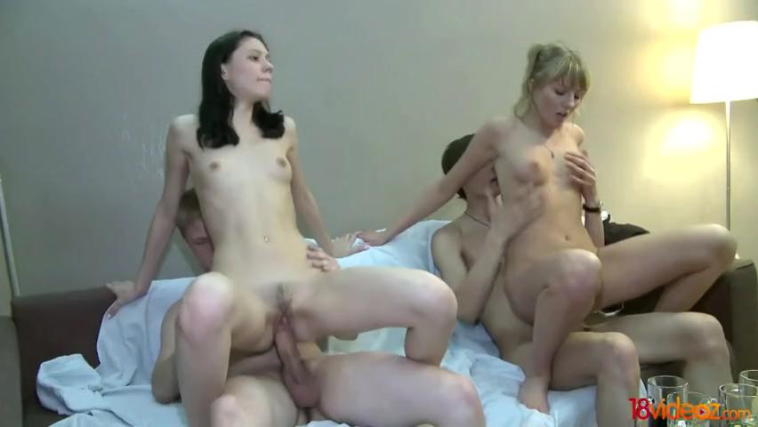 порно видео 2 девушки 1 мужчина