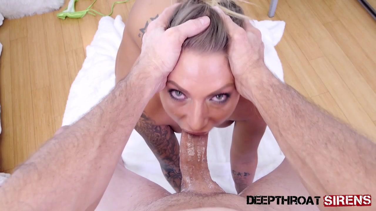 Татуированная шлюха с глубокой глоткой заглатывает хуй с яйцами в рот по самые гланды и плюется спермой  Juelz Ventura порно