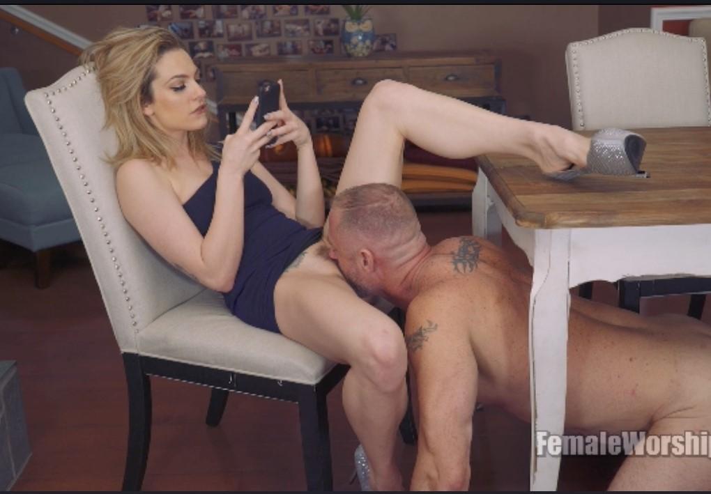 Порно на телефон кунилингус
