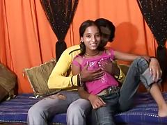 Индийская пара показала секс порно