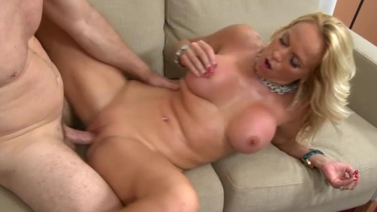 зрелые грудастые блондинки смотреть порно