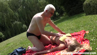 Трахают Молоденьких Красавиц Фото Порно